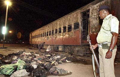 South Asian News Agency | Court convicts 31 in Godhra train fire ...